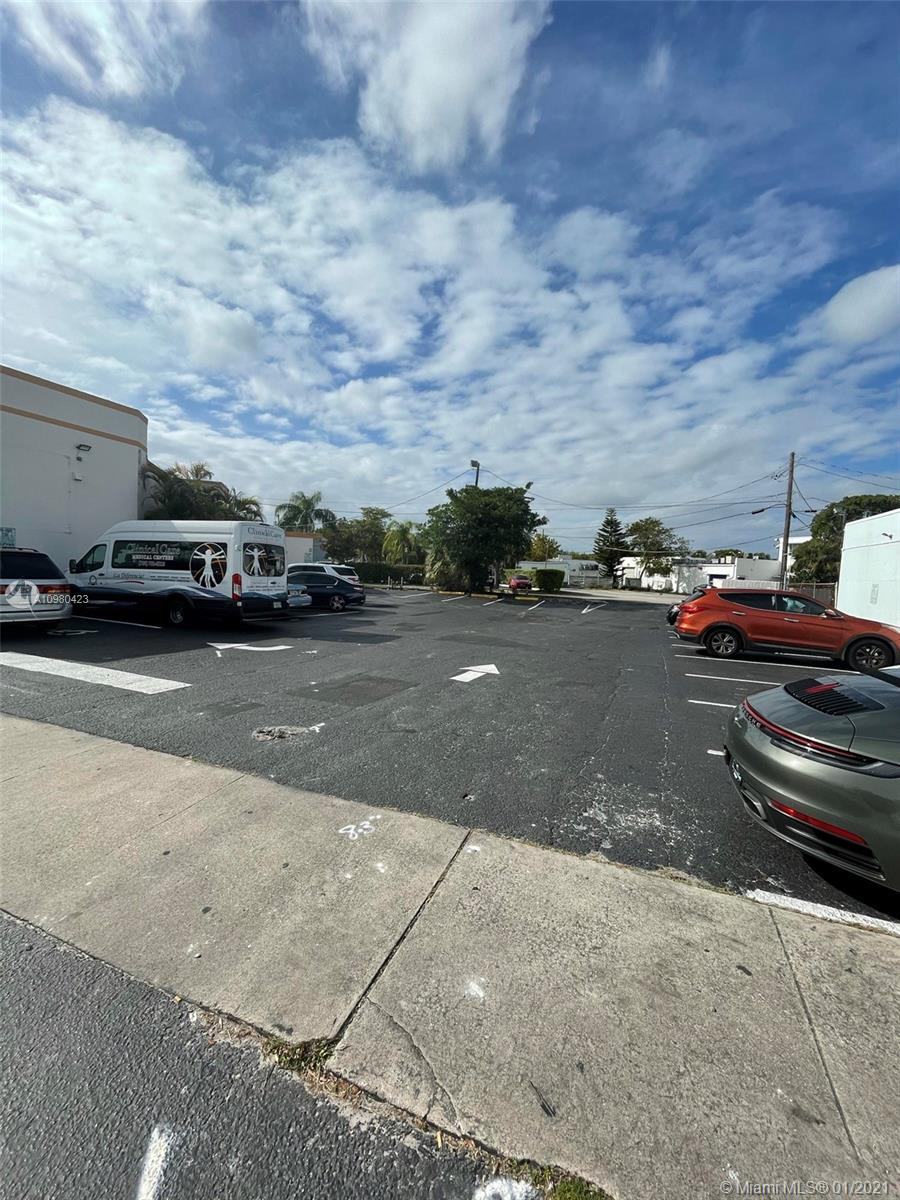 12700 W west dixie hwy  For Sale A10980423, FL