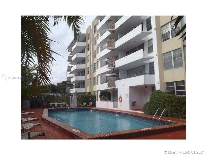 Spacious and bright 1 bed 1 1/2 bath, with great balcony with city views.