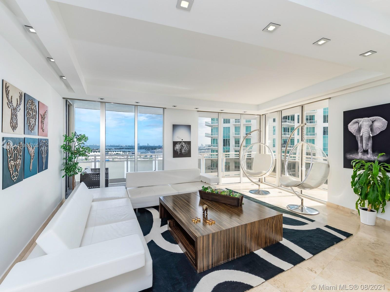 Enjoy your own Private Oasis in this Lower PH of Carbonell located in Brickell Key, stay in the heart of Miami while enjoying all the serenity of a gated island community. This spacious 2,860 lower PH features 4 spacious bedrooms all with their own ensuite bathrooms and closets. Offering the ideal floorplan for a family, this unit is built for entertaining with a large family room, formal