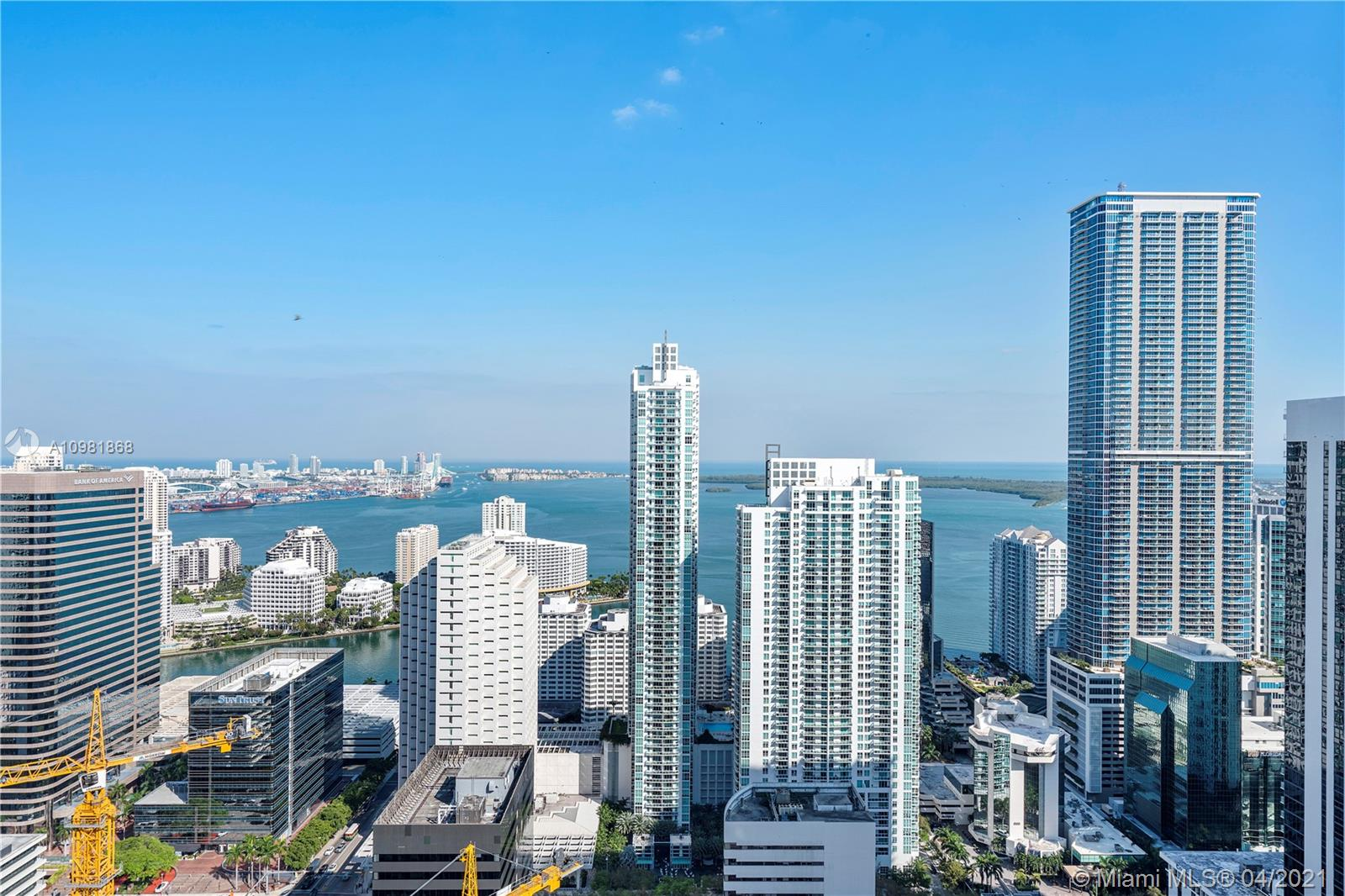 Million-dollar views Lower Corner PH unit in trendy Brickell Heights. This magnificent 3BD/3.5BA + DEN unit on the 45th floor boasts High ceilings, wrap around balcony, porcelain floors & unobstructed views of Biscayne Bay, Fisher Island & the Brickell/Downtown skyline. New unit features contemporary Italian-style cabinetry, floor-to-ceiling glass, premium BOSCH appliances, glass-enclosed showers, 1 assigned parking space with a lift for a 2nd car and more. Excellent location with onsite Equinox Gym, SoulCycle in Brickell's luxurious shopping & fine dining right outside. Resort-style amenities include residents-only rooftop pool & lounge w/panoramic views, spa, and much more. Currently leased until November 2021.