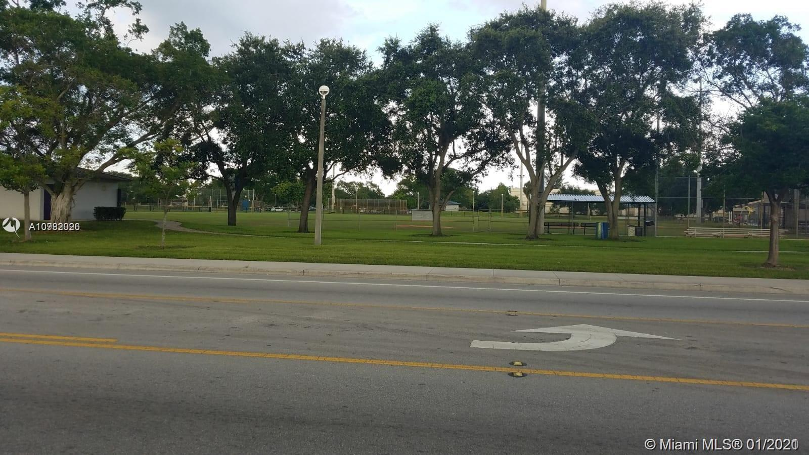 2439 NW 21st Ave  For Sale A10982026, FL