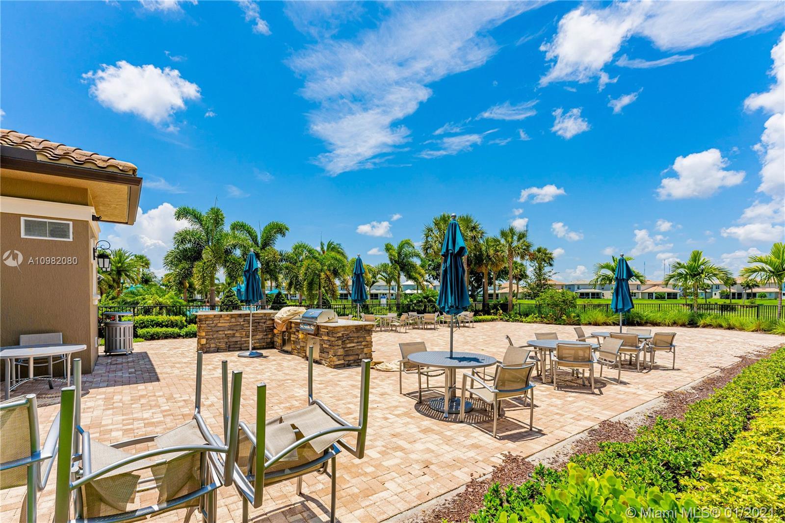 4200 Hillcrest Dr #505, Hollywood, Florida image 2