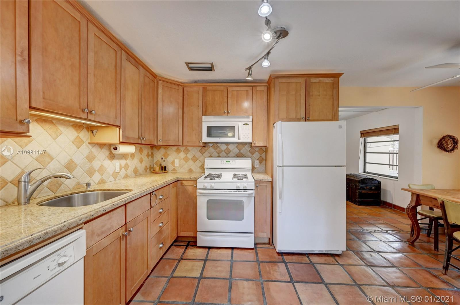 605 SW 12th Ct, Fort Lauderdale, Florida image 18