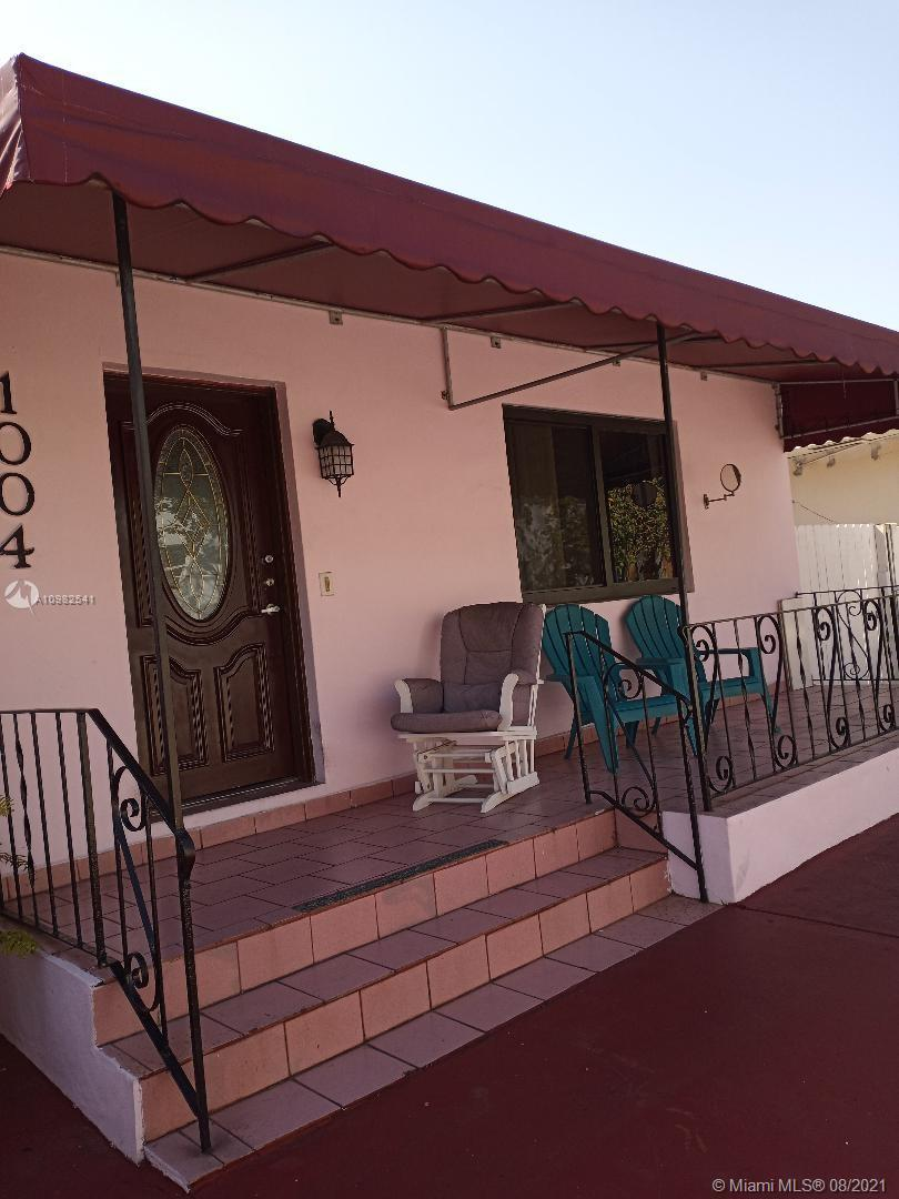 1004 SW 9th Ct  For Sale A10982541, FL