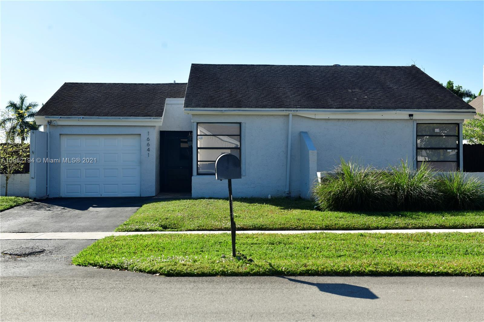 16641 SW 5th Ct  For Sale A10982194, FL