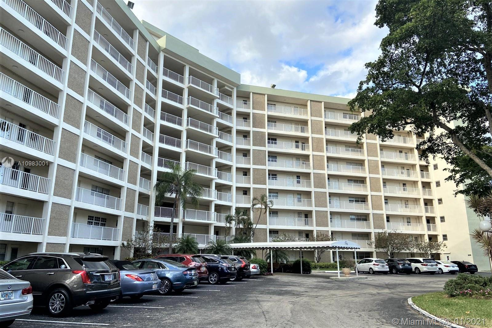 Great unit at Palm Aire Country Club. unit renovated bathrooms and wood floor all truth, phenomenal View to the new lakes without any obstructions. enjoy the Palm Aire amenities such as nearby golf, close to casino and shops.. just 10 minutes drive to the beach , perfect location close to major highways. This unit is currently to great and friendly tenants .. they may stay or move by the end of the contract. best Value in Plam Aire ... Bring you offer !!!