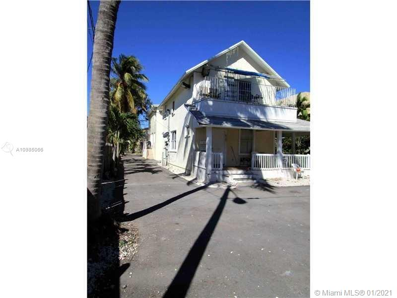 829 SW 3rd St  For Sale A10985066, FL