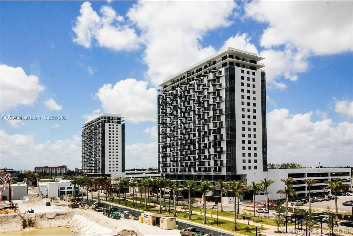 5300 Paseo in Downtown Doral is more than a building; It is a new modern lifestyle for those who seek a way of life with infinite possibilities. The comfort of living in 5300 Paseo allows you to walk everywhere, even to work. At 5300 Paseo, you can expand your social life just steps from your door. If you have kids, give them the best education and enjoy a modern residence, rich in amenities, in the heart of Doral. A unique lifestyle in Miami.