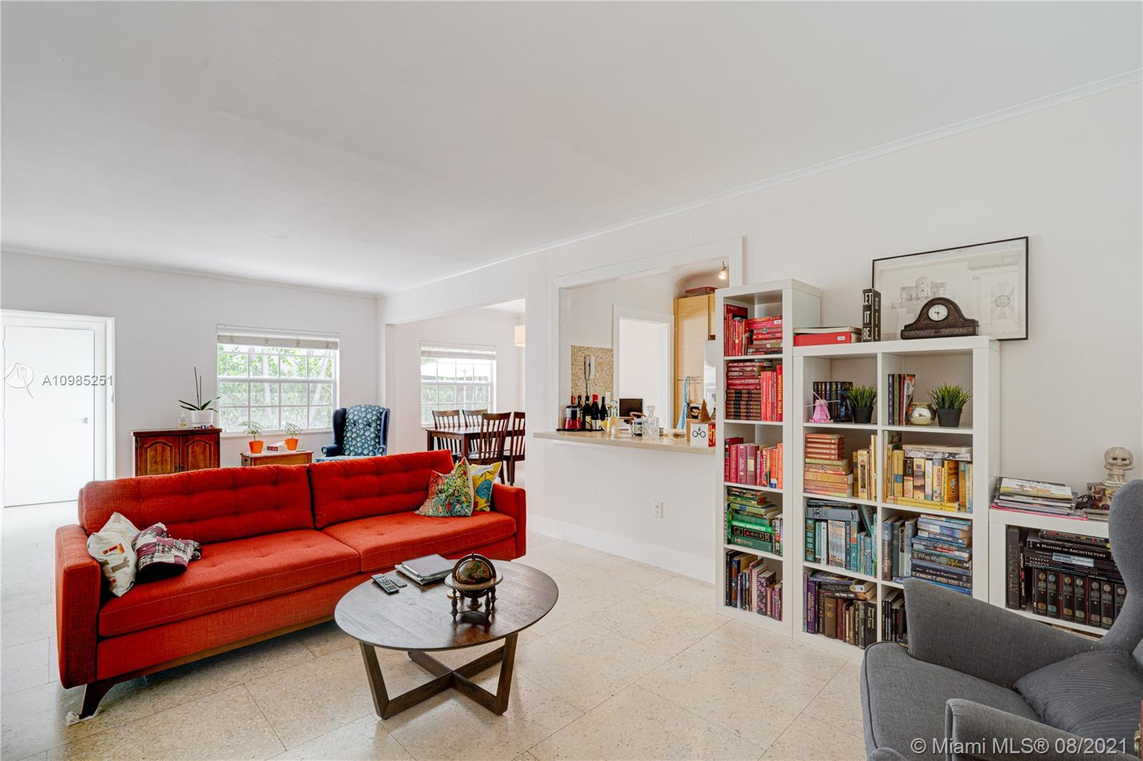 932  15th St #4 For Sale A10985251, FL