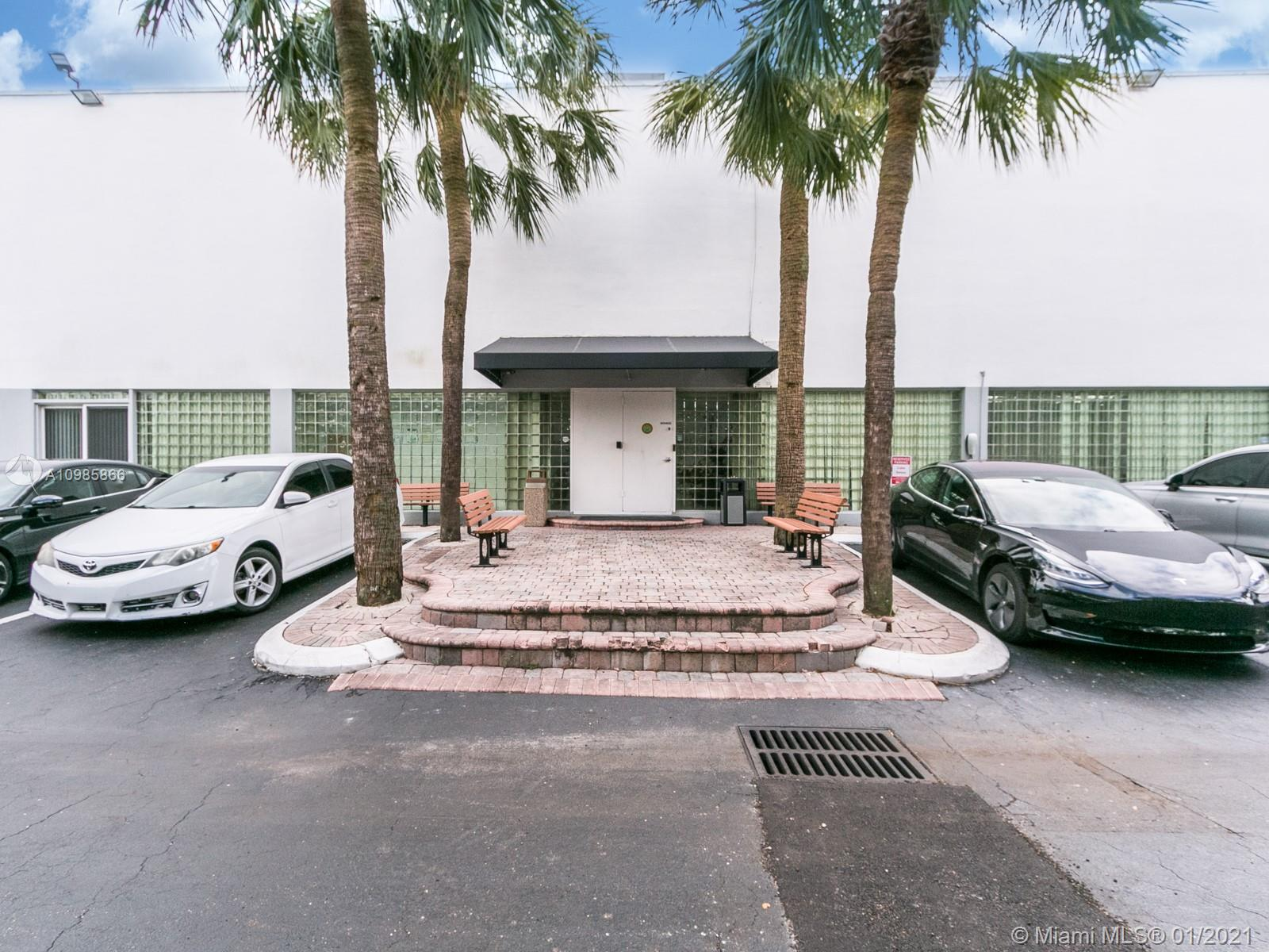 2801  Greene St #Upstairs For Sale A10985866, FL