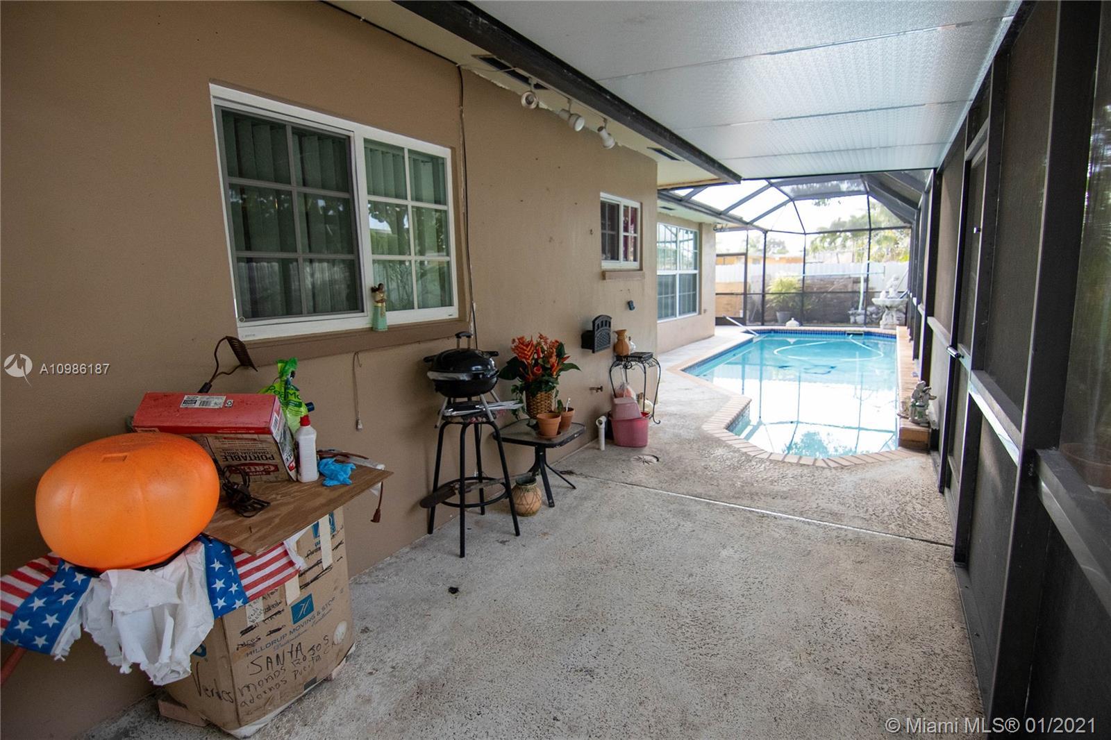 7521 Johnson St, Hollywood, Florida image 22
