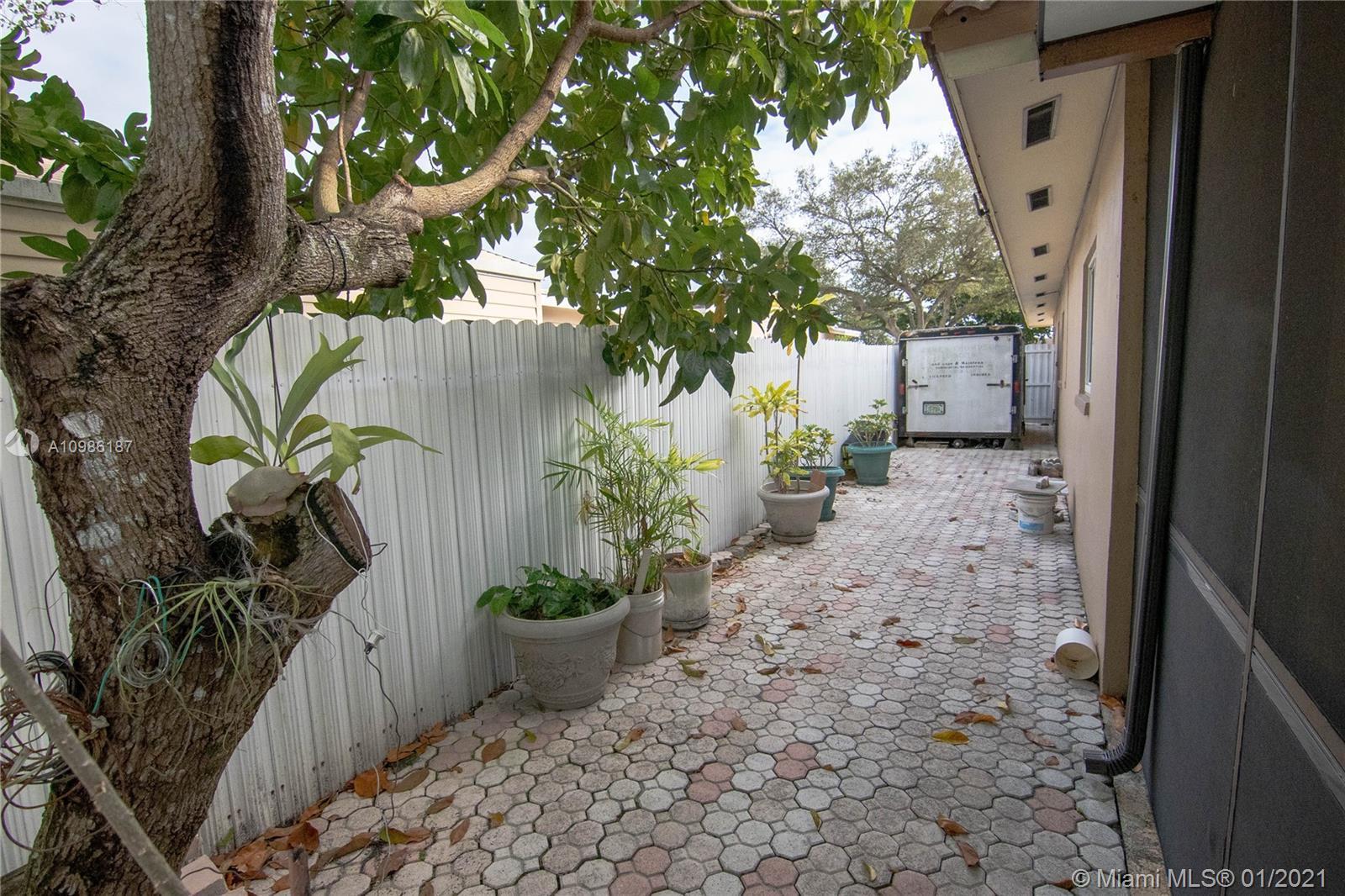 7521 Johnson St, Hollywood, Florida image 20