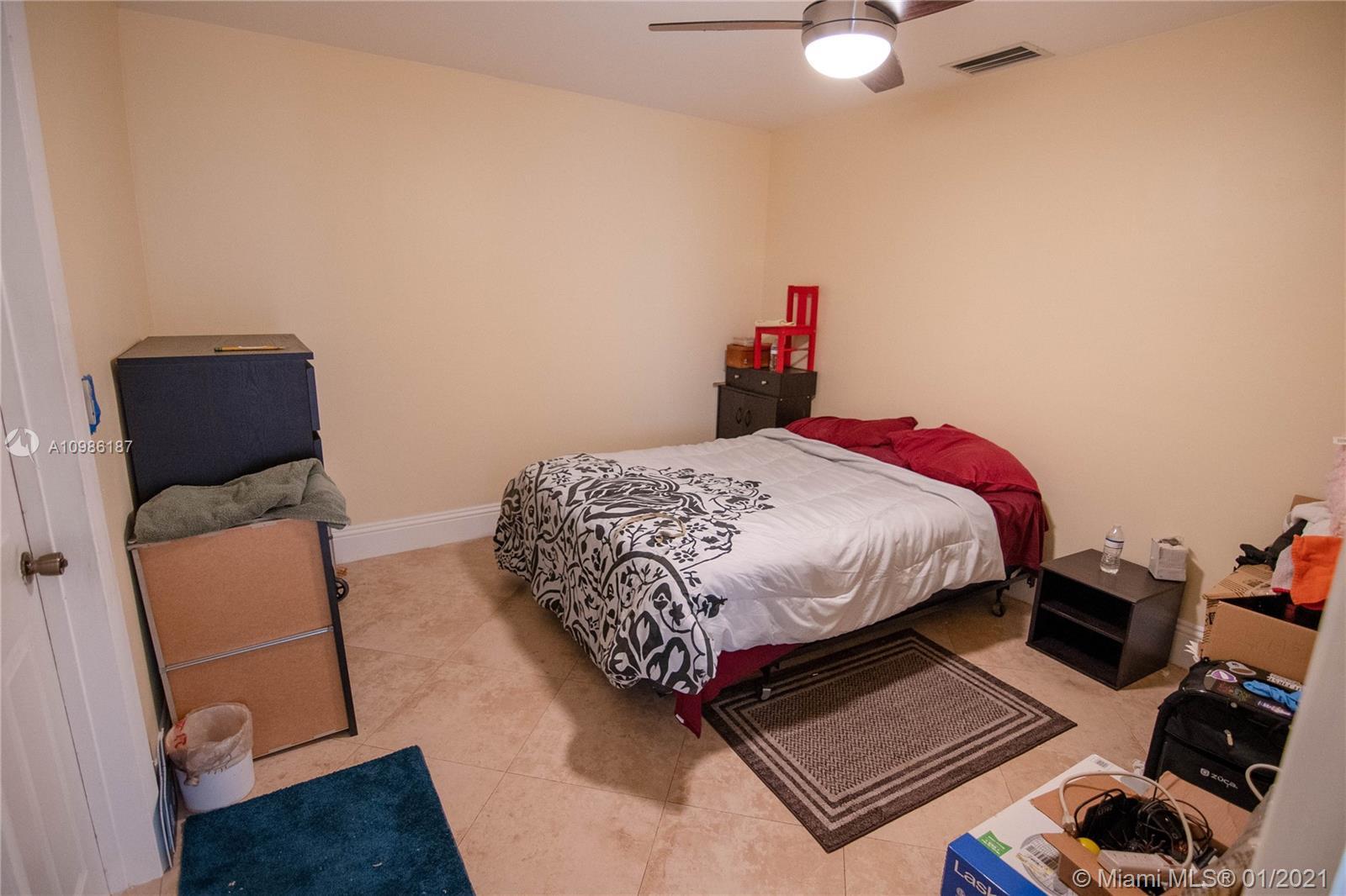 7521 Johnson St, Hollywood, Florida image 3