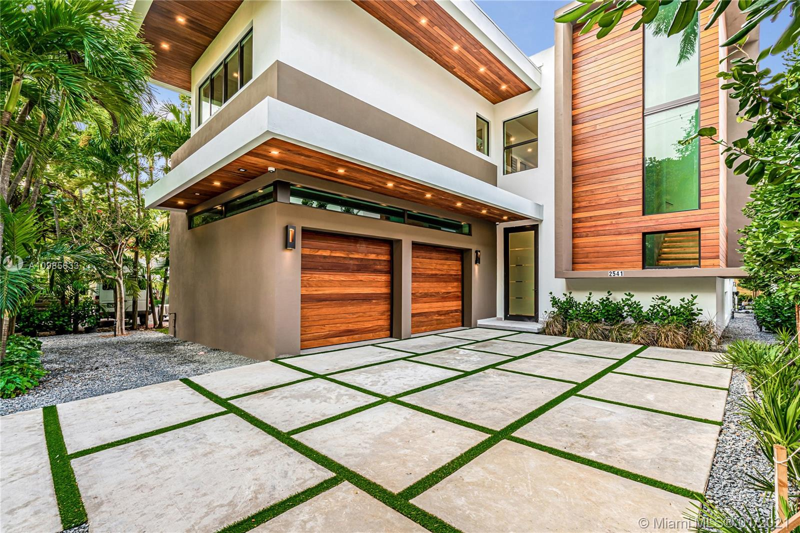 Details for 2541 Tigertail Ave, Coconut Grove, FL 33133