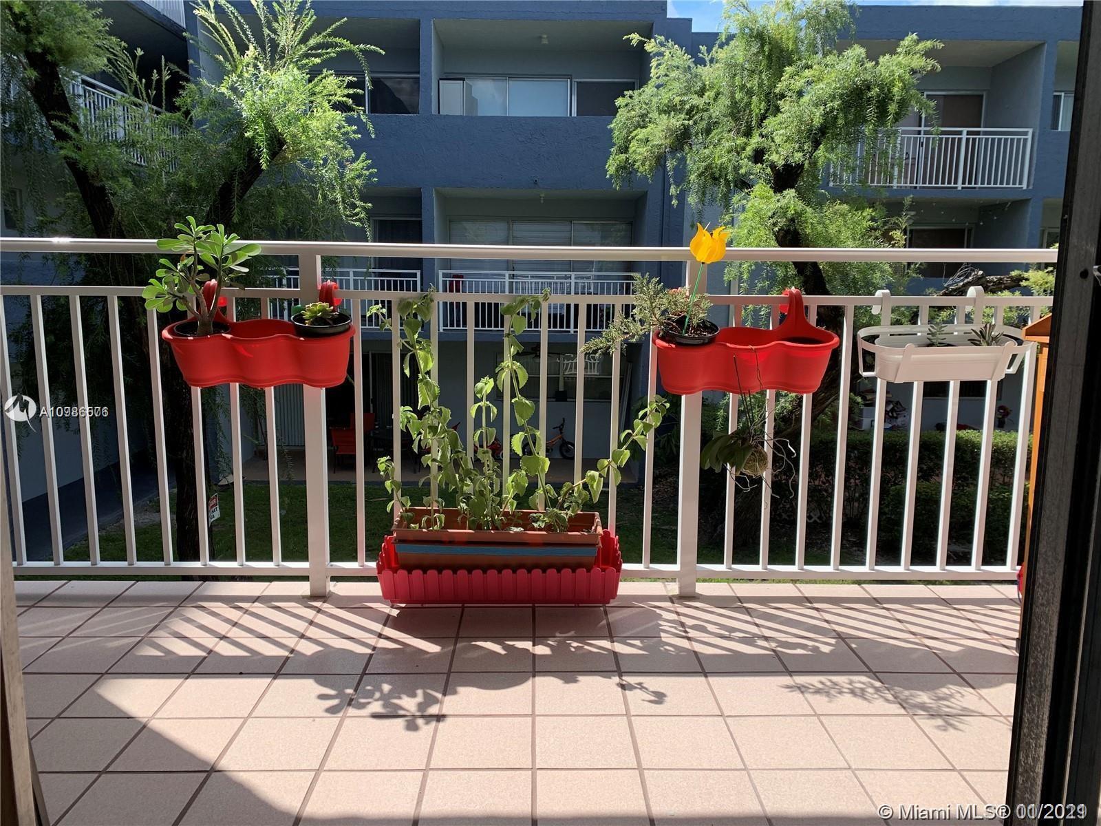 9375  Fontainebleau Blvd #L220 For Sale A10986576, FL