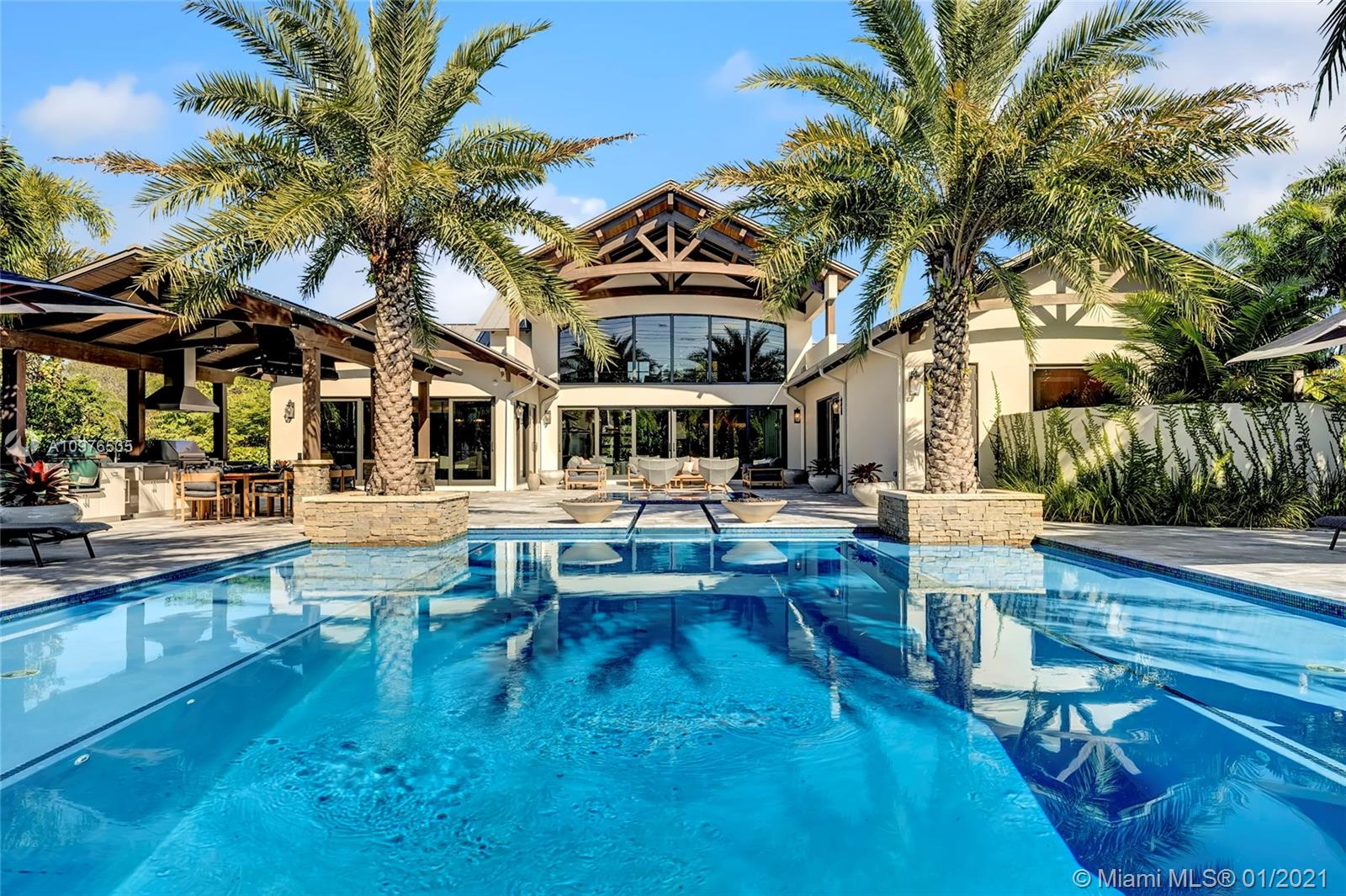 13900  Luray Rd  For Sale A10976535, FL