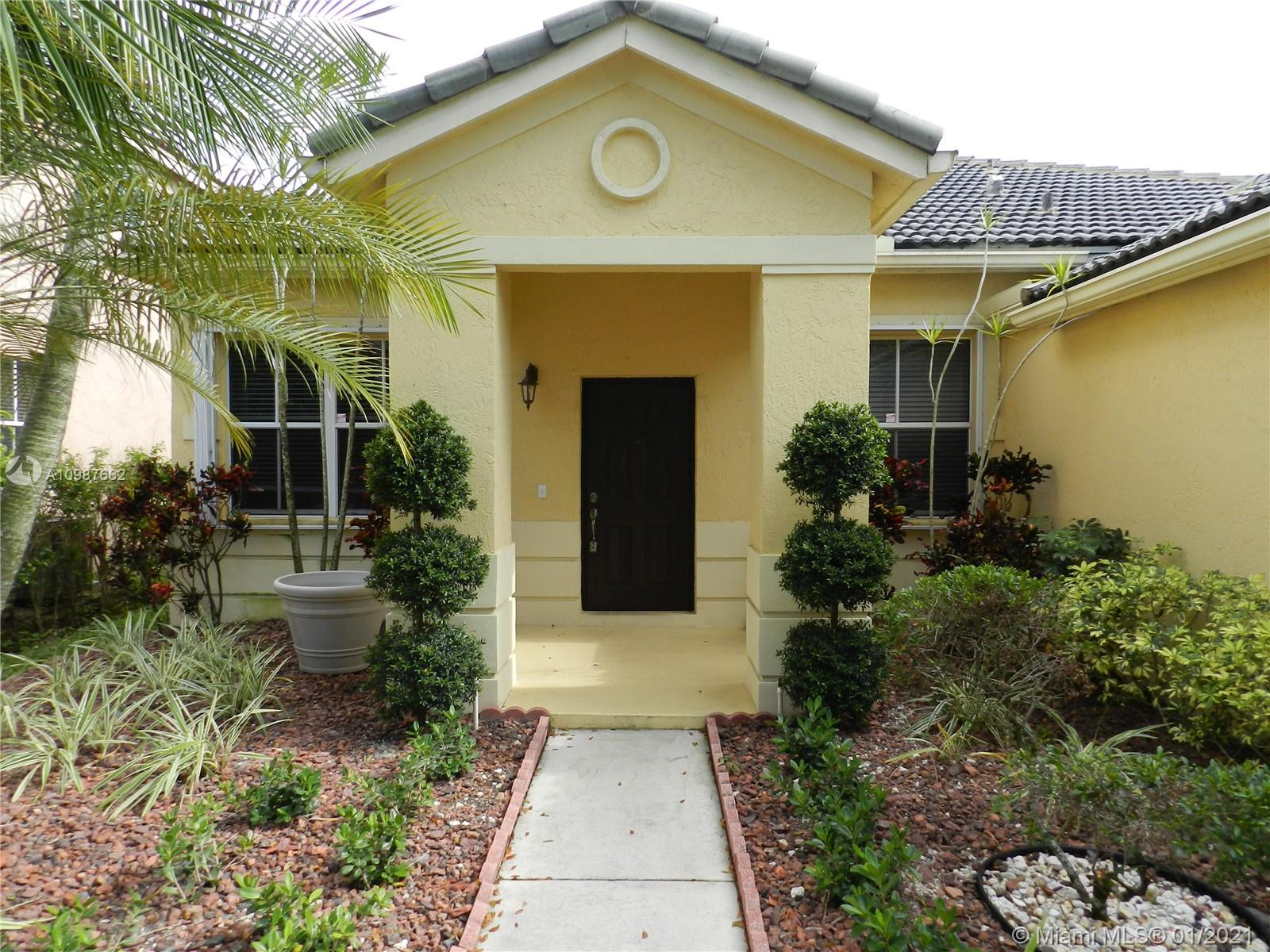 BEAUTIFUL ONE STORY HOME IN DESIRABLE SAVANNA. FULL 4 BEDROOMS AND 2 1/2 BATHS. QUIET NEIGHBORHOOD, CLOSE TO A+ RATED SCHOOLS.