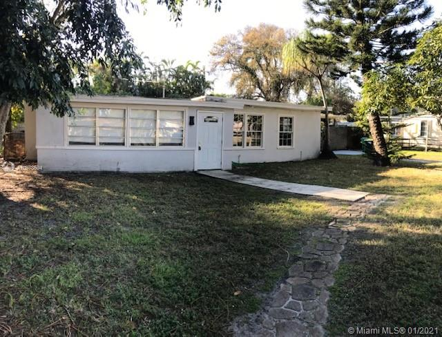 Spacious  4/2  renovated house, open kitchen , laminate  and tile floors , desirable Dania Beach area  close to everything  , hard rock , airport and all major highways.  this property  has almost 12,000 sf  lot  and may have  potential future development  possibilities .  