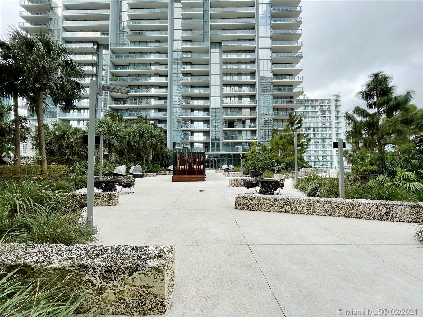 88 SW 7th St #3801 For Sale A10989315, FL