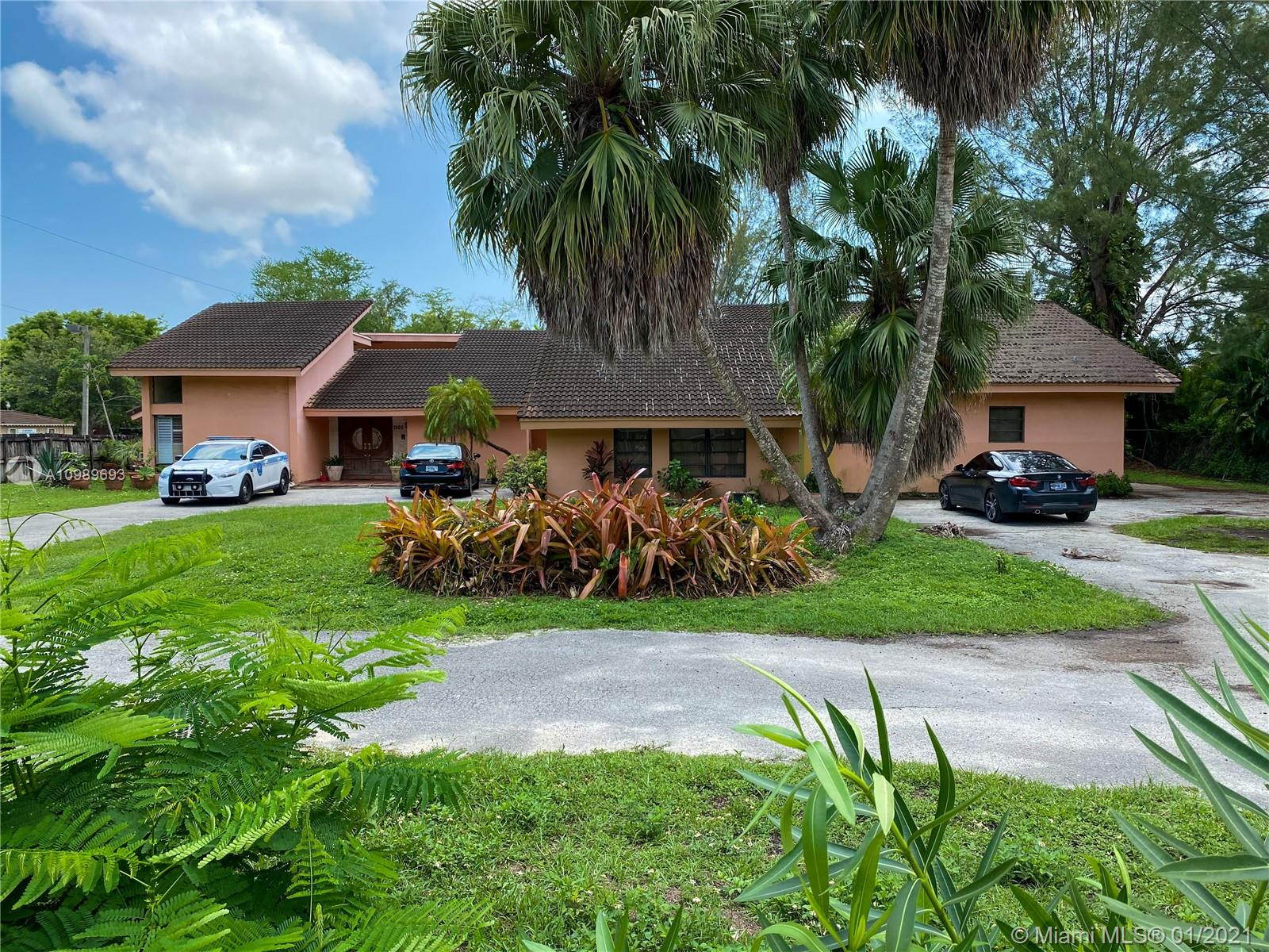 7420 SW 72nd St  For Sale A10989693, FL