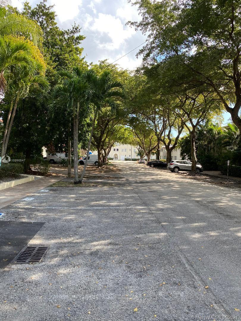 427 Santander Ave Unit 303, Coral Gables, Florida 33134