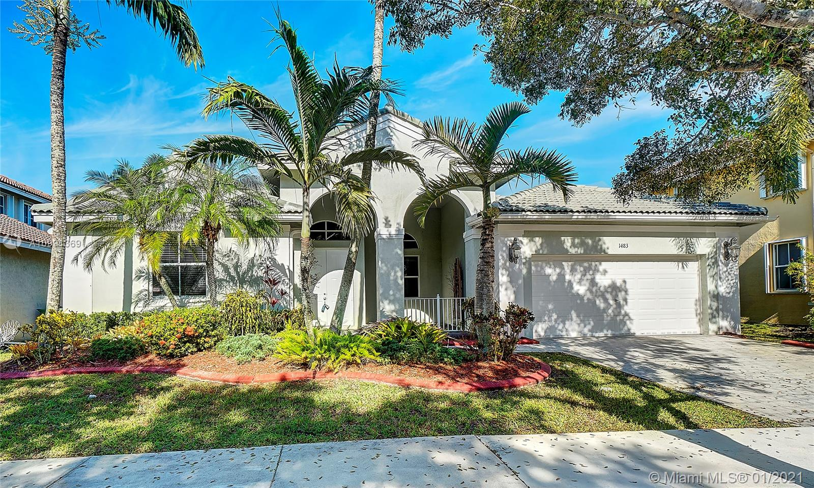 Beautiful Heron model single story, 4 Bedroom, 3.5 Bathroom, Den/Study with 2 Car Garage residence located in the very well sought after gated community of Savanna in the City of Weston. Interior features: travertine marble floors throughout main living area, wood floors in master bedroom & den/study. Kitchen features include: all real maple wood cabinets with glass insert doors, under-mount lighting, black granite counter tops with designer glass backsplash & all stainless steel GE Profile appliances. The French doors located in the living room & family room lead you to your very own private screened in patio. Exterior features: paver driveway, private porch and hurricane shutters throughout. Savanna is an excellent family oriented community with outstanding amenities and schools.