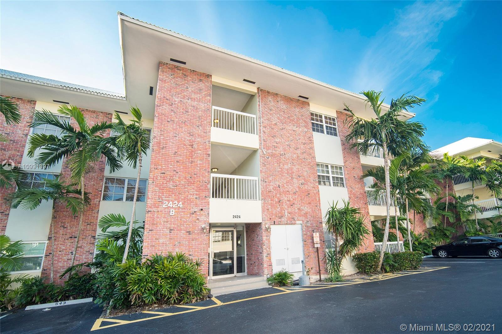 2424 SE 17th Cswy #303B For Sale A10991697, FL