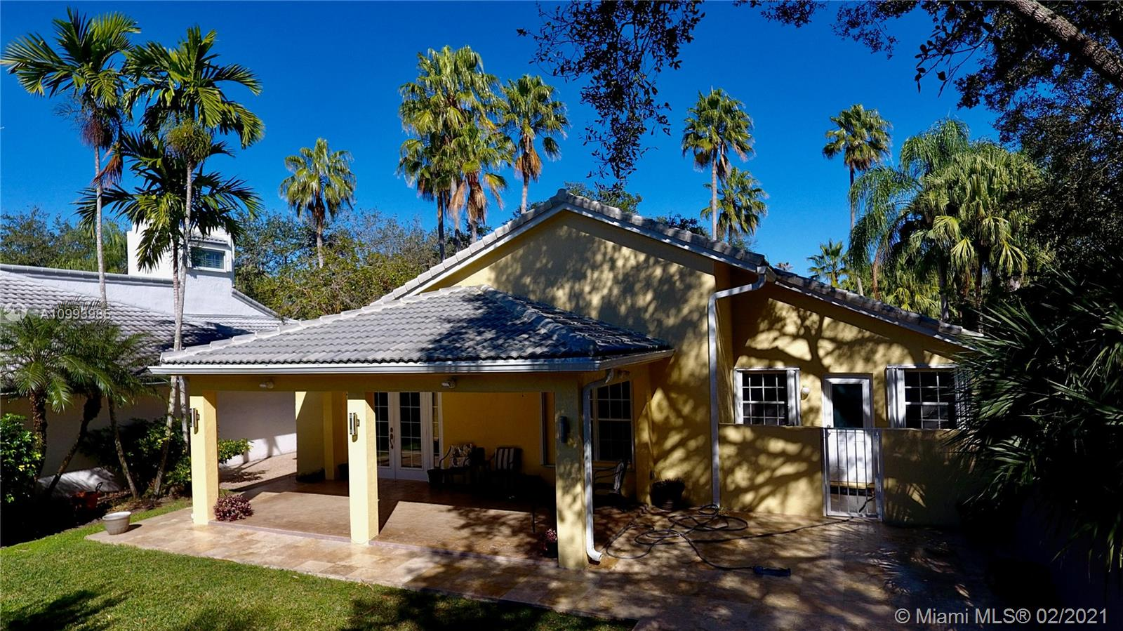 Captiva Cay ideal home for investors: leased till 2022, this fully renovated & upgraded: new kitchen, new appliances, new bathrooms, floors, AC and custom closets. Expanded & covered deck with lard backyard, corner lot surrounded by trees. Accordion hurricane shutters, great Tenants. Great schools, walking distance to Country Isles Park, Weston Town Center, Midtown Athletic and Country Isles Elementary. 