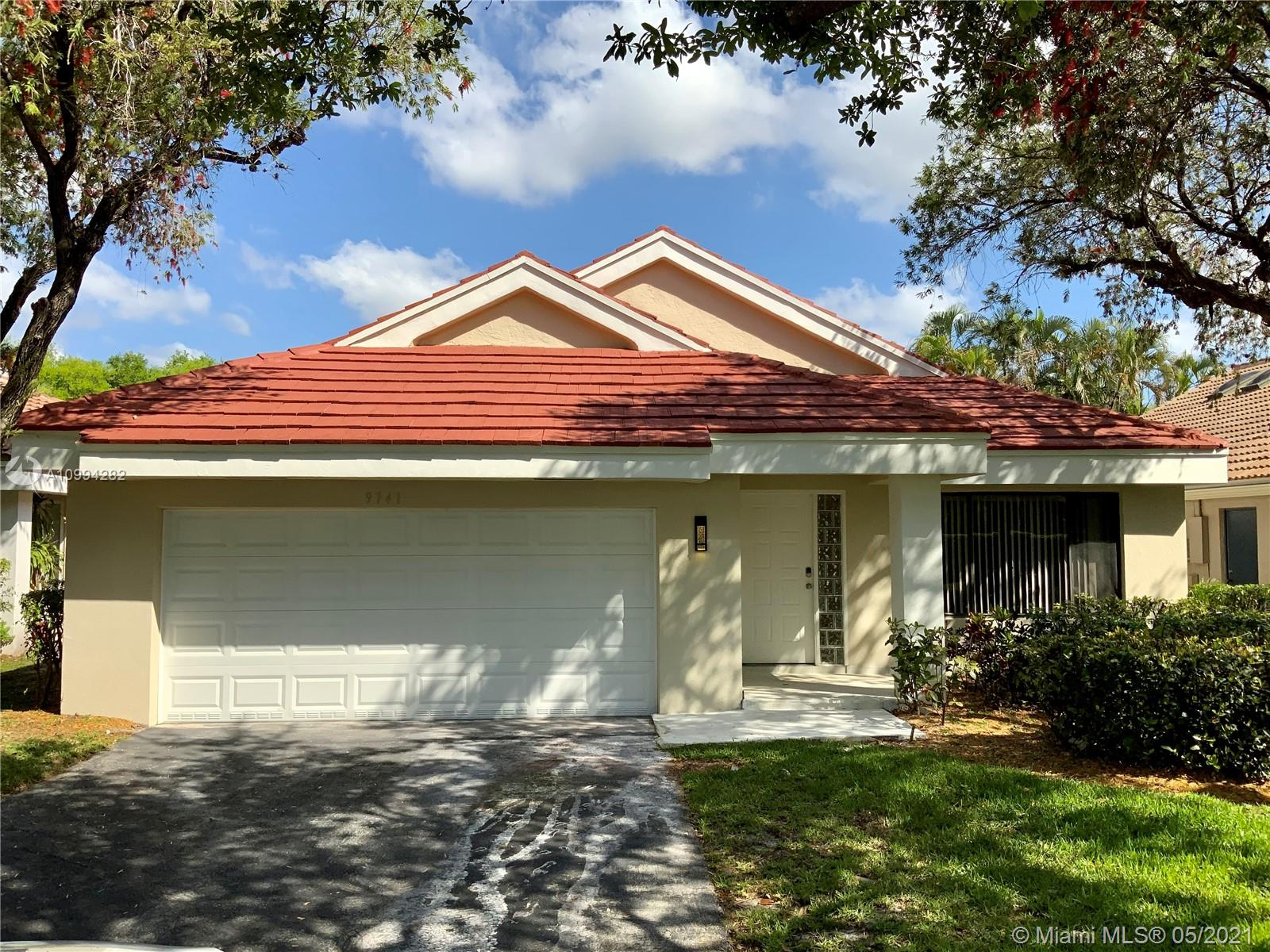Beautiful 3/2 waterfront home in a nice and quite neighborhood, with a 2 car garage. It offers a remodeled Kitchen, 2 walk in closets, double sink in the master room. Great for a investor or a family. AT THE MOMENT THE PROPERTY IS NOT AVAILABLE FOR SHOWINGS.