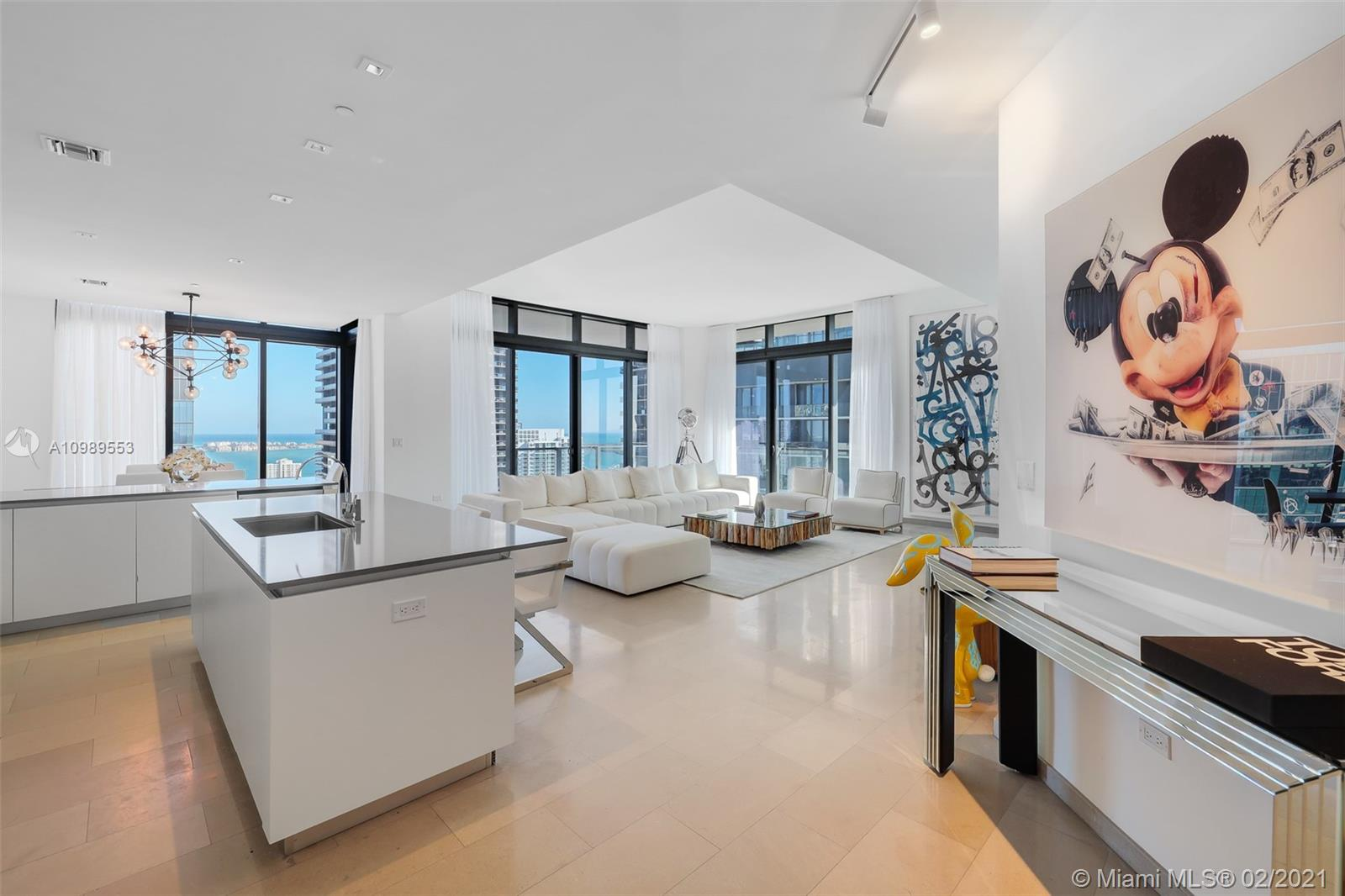 88 SW 7th St #4101 For Sale A10989553, FL