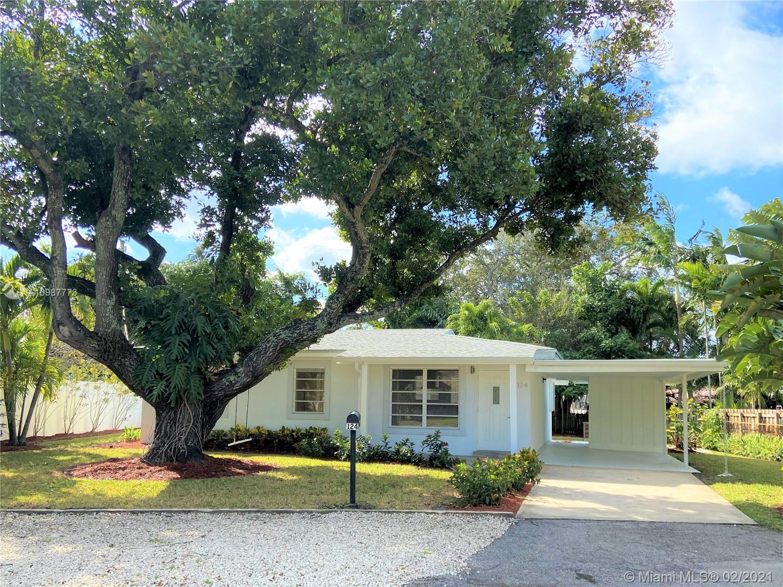 Charming updated home with 3 bed/2bath + Florida/family room. Beautiful open concept kitchen with granite countertop, stainless steel appliances and separate laundry room. New roof and A/C. Tile flooring throughout the house. Backyard has a shed and plenty space for entertainment. Great location, very close to restaurants, nightlife, shopping, parks, boat ramps, airports and beaches. Near Wilton drive and Wilton Manors' Art and Entertaining District. Move-in ready! Very easy to show!