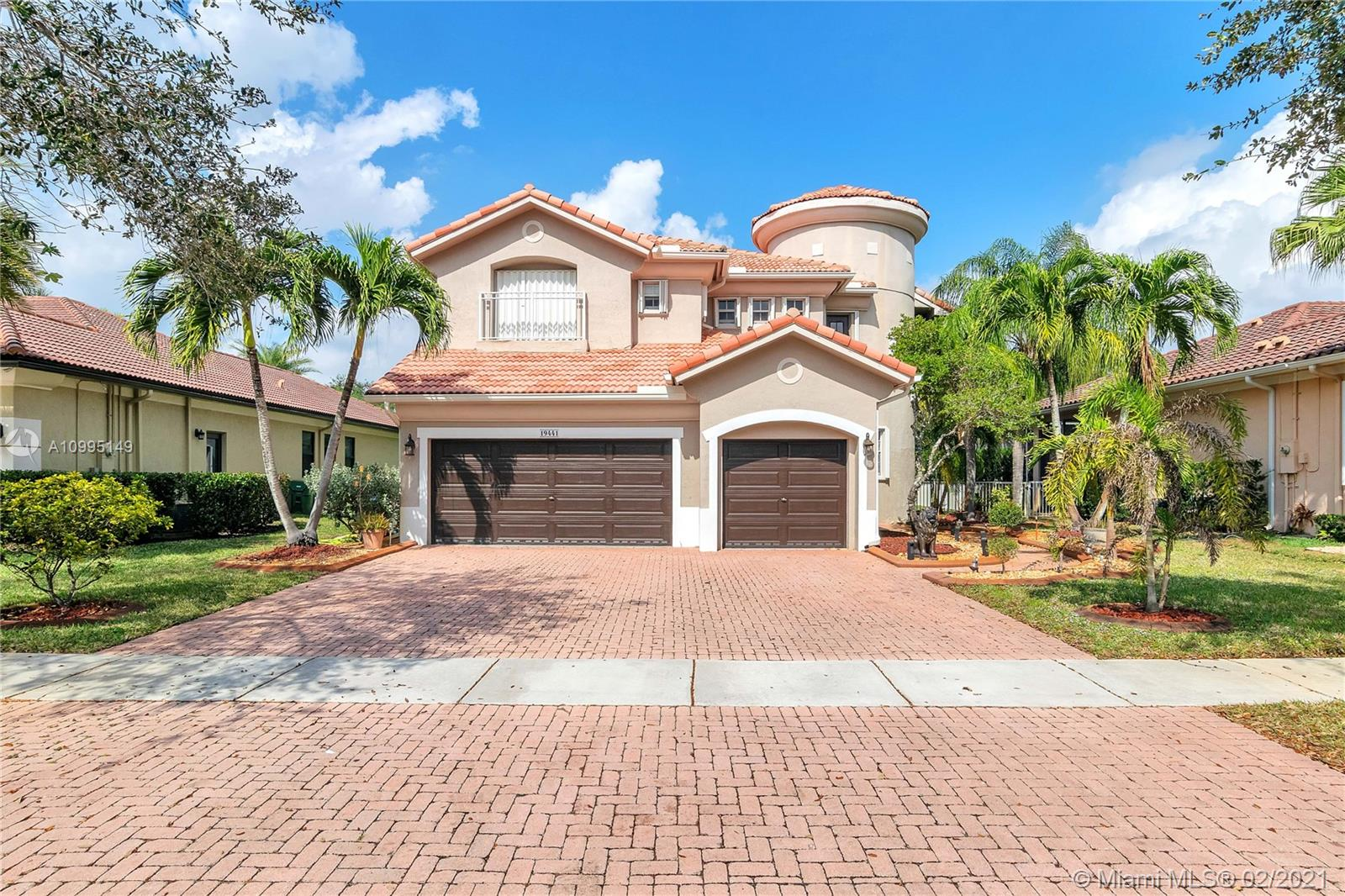 Stunning home@Sunset Lakes exclusive community to the West of Miramar Parkway. Over 12,674 sq ft lot, garden view. Your dream home is located just before a cul de sac, with almost 3,000 sq ft under a/c,  4 beds 3.5 baths, vaulted high ceilings, spiral staircase, ceramic & wood floors, accordion shutters, security system & lighting, 2 master bedrooms (1st floor with private entrance) original master on the  2nd-floor, kitchen with granite countertops, eat-in area, stainless steel appliances, pool + garden. The community offers an awesome clubhouse 18600 Sunrise Ave. Includes room for events, tennis, basketball, gym, pool, playground. $219.00 p/m.  No HOA pre-approval needed. By appointment-only/Listing Agent to open door. AC  + water heater is 1-2 yrs old.