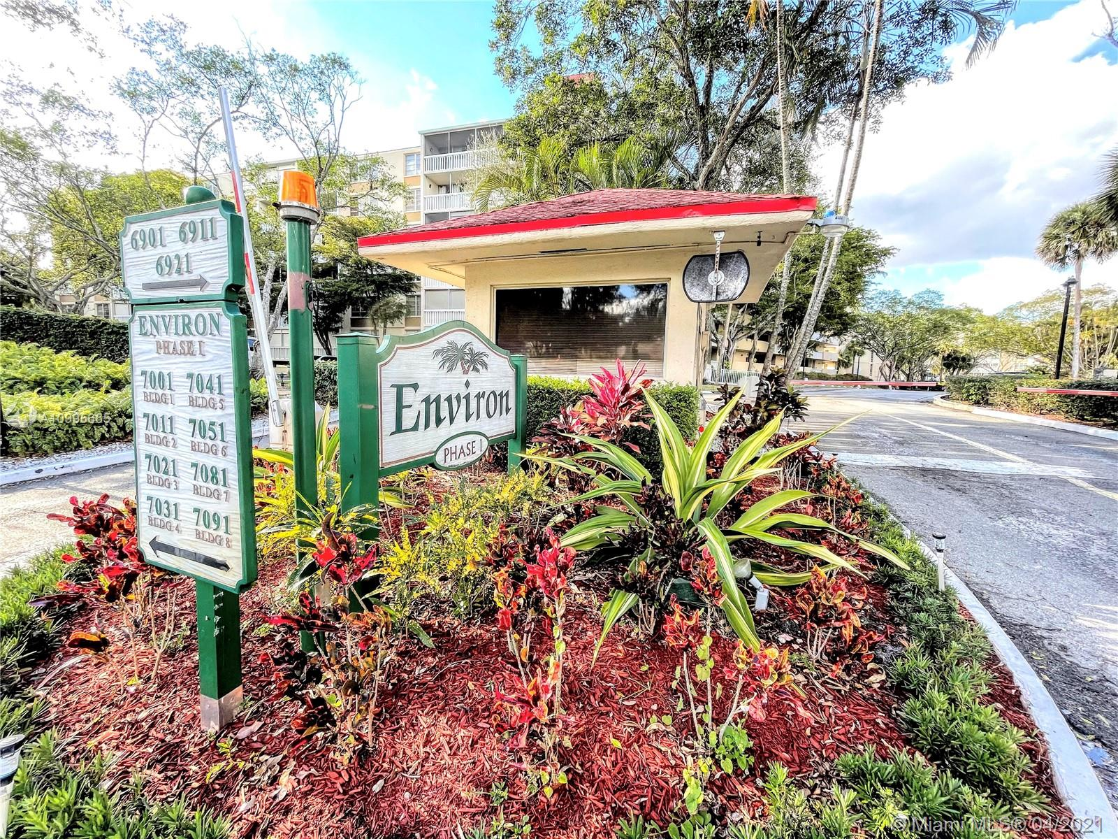 Renovated unit ready for you to view. This is a turn key property and a wonderful community. Environ has many amenities, 24/7 security, private parking, pool, billiards you name it. Make your appointment to view today you will not regret it.