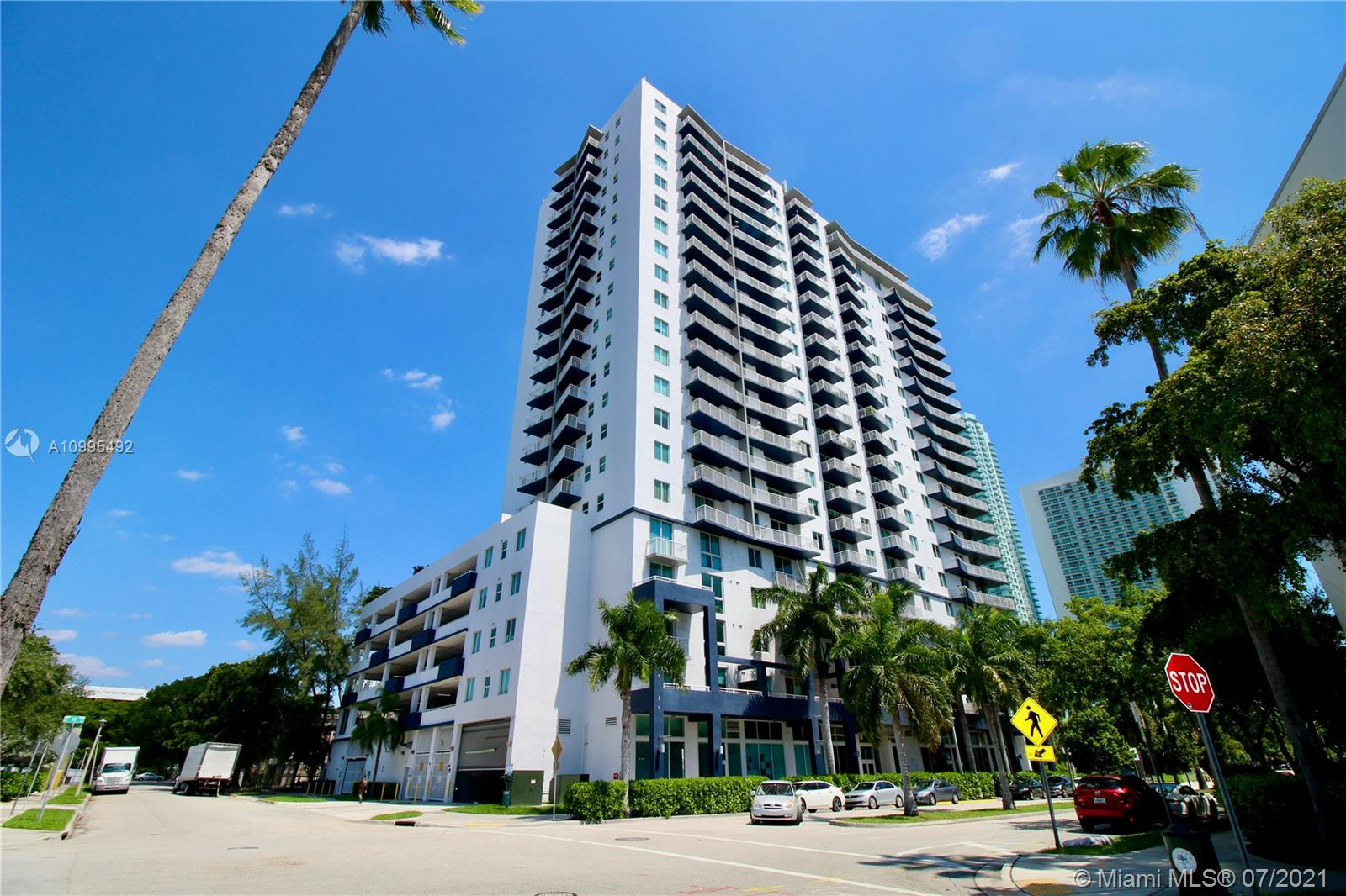 Amazing extra big corner unit (1,171 SF!!) 2/1 in outstanding building & location, fantastic city views over US1!! Near the Art District and few blocks from Downtown Miami!! Huge floor to ceiling bay windows, beautiful marble and laminated wood floors, high ceilings, excellent layout, open kitchen with granite countertops, washer & dryer inside. Parking space a few steps away unit's entrance. 1800 Biscayne Plaza has modern lobby, fantastic pool area and fully equiped gym. (Unit leased for $2,100/month, until 10/17/21).   (One of the largest units in the building).