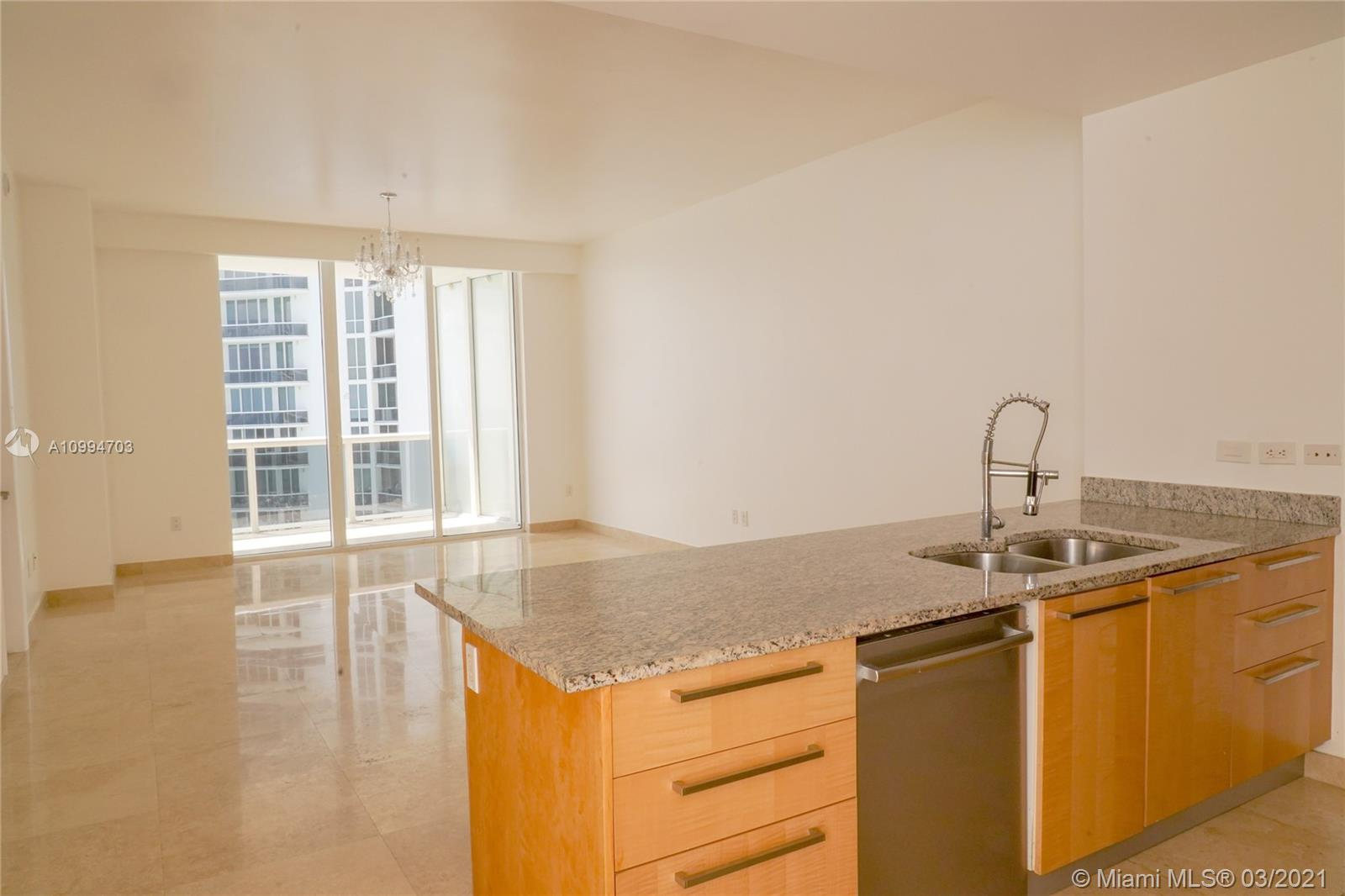 Beautiful Apartment with amazing views!! Northeast and Southeast Balconies. Gourmet kitchen featuring the highest quality. Italian cabinetry, Sub Zero and Wolf appliance. Must to see