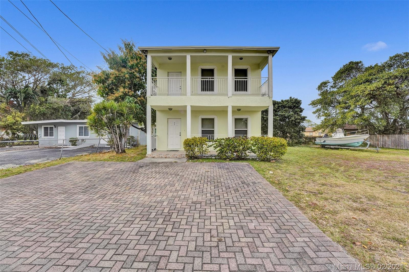 Property was recently appraised, priced right for quick sale. 2 story single family home,Excellent floor plan, stainless steel appliances, upgraded kitchen, movie room downstairs, huge master bedroom, close to Dania's town center, shopping centers, hwys, and more.