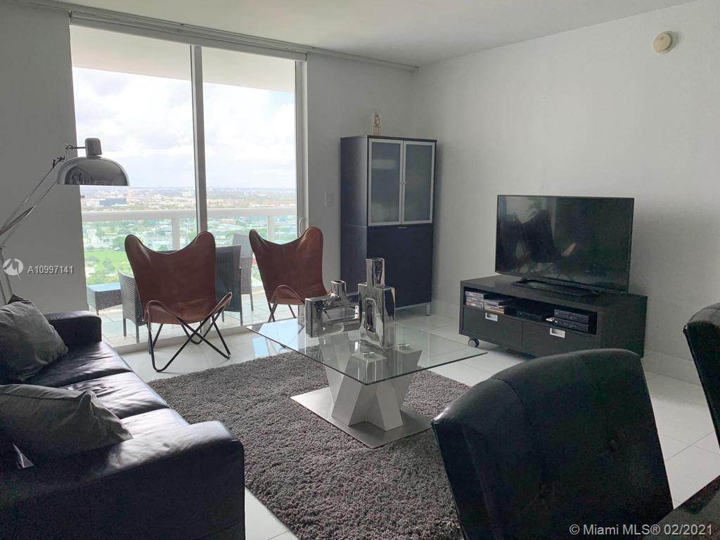 Great location!, Beautiful 1 Bedroom 1 Bath condo in a bayfront luxury building across from Margaret Pace Park. The building has 24 hrs. valet parking and security, heated pool, fitness center, steam and massage rooms, jacuzzi, and sauna. The unit has stunning city and sunset views, stainless steel appliances, granite countertops, in unit washer and dryer, 1 parking space. Walk to parks, cafes, shops, and more, just minutes from South Beach, Downtown and Brickell.