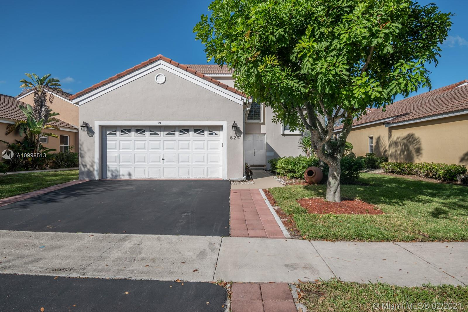 Beautiful 4 bedroom 3.5 bath home in amazing North Lakes Community. Property has updated Kitchen and baths. It is an Open Layout concept. Enjoy the huge kitchen island to entertain your guest. Huge Master bedroom downstairs. The Master bedroom can be separated from the rest of the house and rented out if you wish to help with the mortgage cost. Nice walk-in closet in the master bedroom. Master bath has Shower and Tub. Upstairs is water resistant wood laminate. Upstairs bathrooms have also been updated. Outside patio area has pavers to be able to put nice patio furniture or set up a nice BBQ area. Hurricane Impact Shutters in 90% of the windows of the house. 2 Car garage with driveway space for 3 more cars. Walking distance to Eagle Point Elementary.
