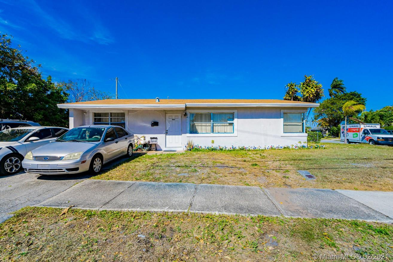 Great starter home in Deerfield Beach.  This wonderful 3 Bed/1.5 Bath home has ceramic tile floors, updated kitchen, newer roof (about 3 years old) and newer central a/c (about 4 to 5 years old).  Great potential to get into this neighborhood at an affordable price.  FHA, VA and Conventional loans welcomed.  Easy access to I-95 and Federal Highway.  Get anywhere you need to get to in minutes.