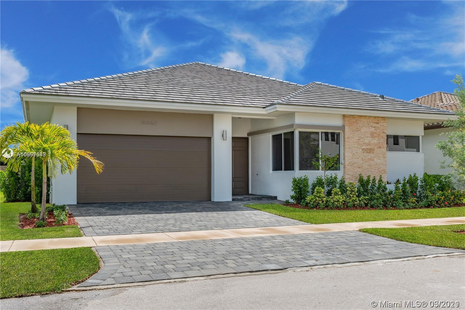 15062 SW 177th Ter  For Sale A10997049, FL