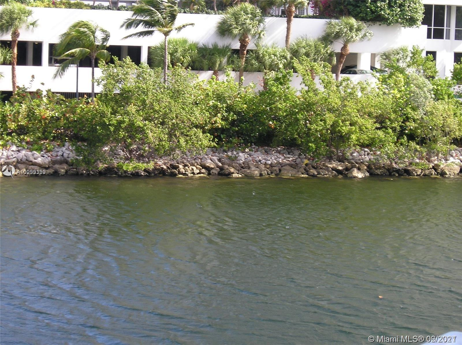 20505 E Country Club Dr #233 For Sale A10999359, FL