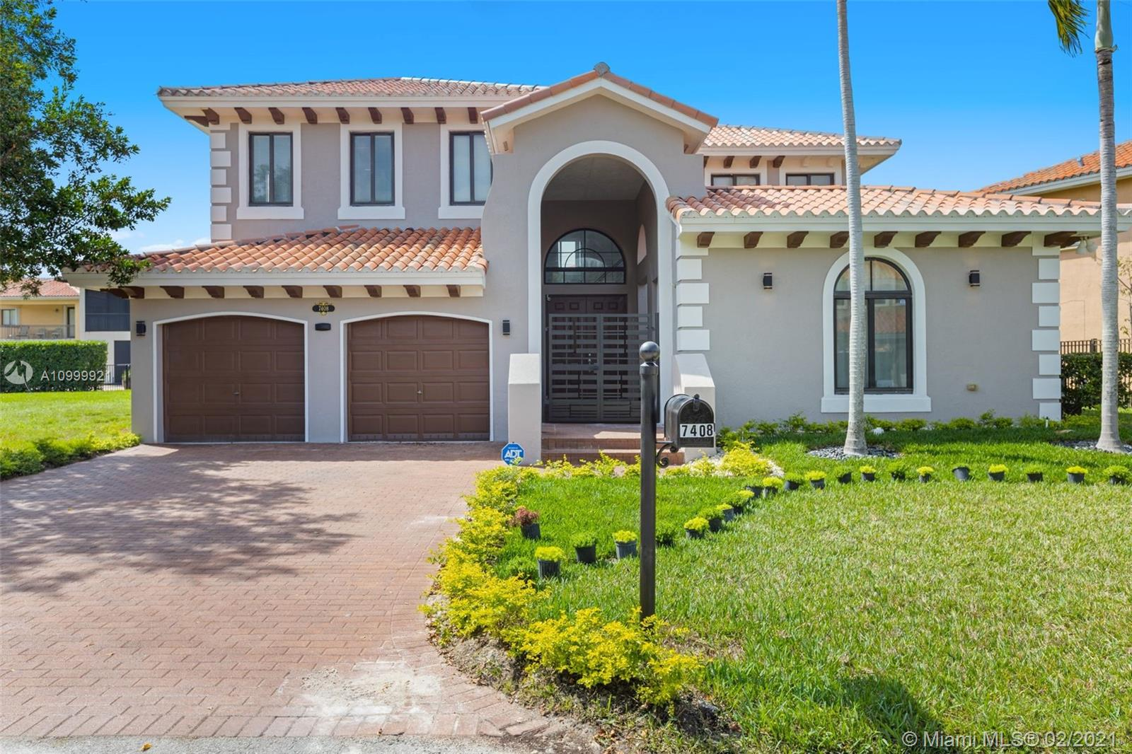 7408 SW 189th St  For Sale A10999921, FL