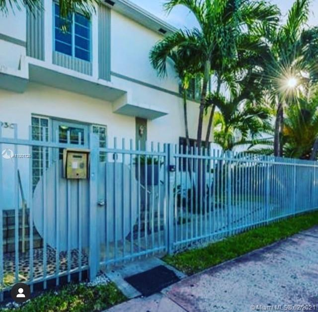 930  10 #3 For Sale A11001725, FL