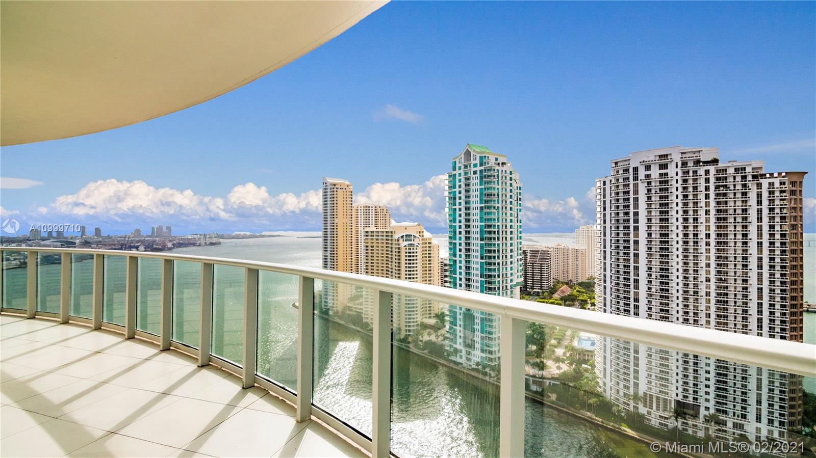 Breathtaking ocean views from every room of this stunning apartment. With an open and warm floor-plan, ideal to entertain while enjoying the unobstructed panoramic views, this 2 bedroom, 2 baths unit with the most desirable split plan and Southeastern exposure in the building. Enjoy endless sunrises from the over-sized balcony and views to the intracoastal from every room. Met 1 is a luxury building that offers amazing amenities, such as, heated swimming pool, hot tub, fitness center, conference room and convenient party room and concierge. Centrally located and within walking distance to Whole Foods, Bayfront Park, Silverspot Cinemas, great restaurants and the Metro Mover. Easy to Show and Priced to Sell!