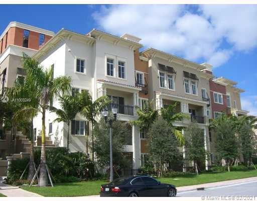 RESORT STYLE COMMUNITY 2 STORIES 3 BEDROOMS 2.5 BATH TOWNHOUSE IN THE SKY.   ARTESIA IS A GATED COMMUNITY OFFDRS SPECTACULAR AMENITIES, CLUBHOUSE, POOL, GYM, BILLIARDS AND LOCATED NEXT THE WORLD CLASS SAWGRASS MALL, DINNING, MOVIE AND NEXT TO HIGHWAY.