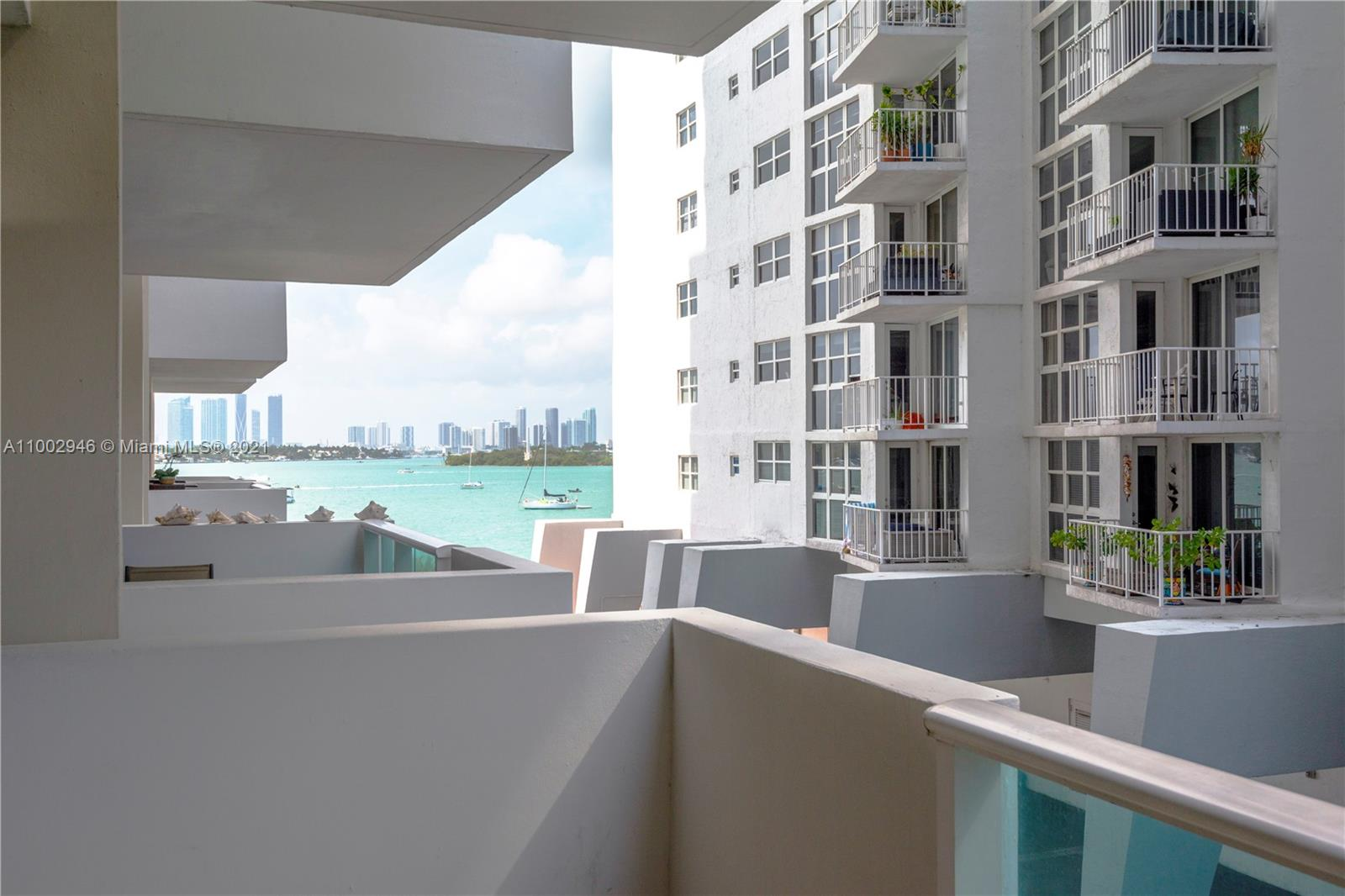 Renovated 1 bedroom/1 bathroom featuring partial West bay views with sunsets! West Ave is a desirable location on the bay, next to the Mondrian, with Whole Foods, Trader Joes, Publix, restaurants, Flamingo Park, Citi-bike Rentals and Lincoln Rd all within walking distance. The building has a wide range of amenities and services including a pool on the bay, gym, jacuzzi, 24-hour front desk, valet parking, convenience store on premises, spa, club room, BBQ area and more.