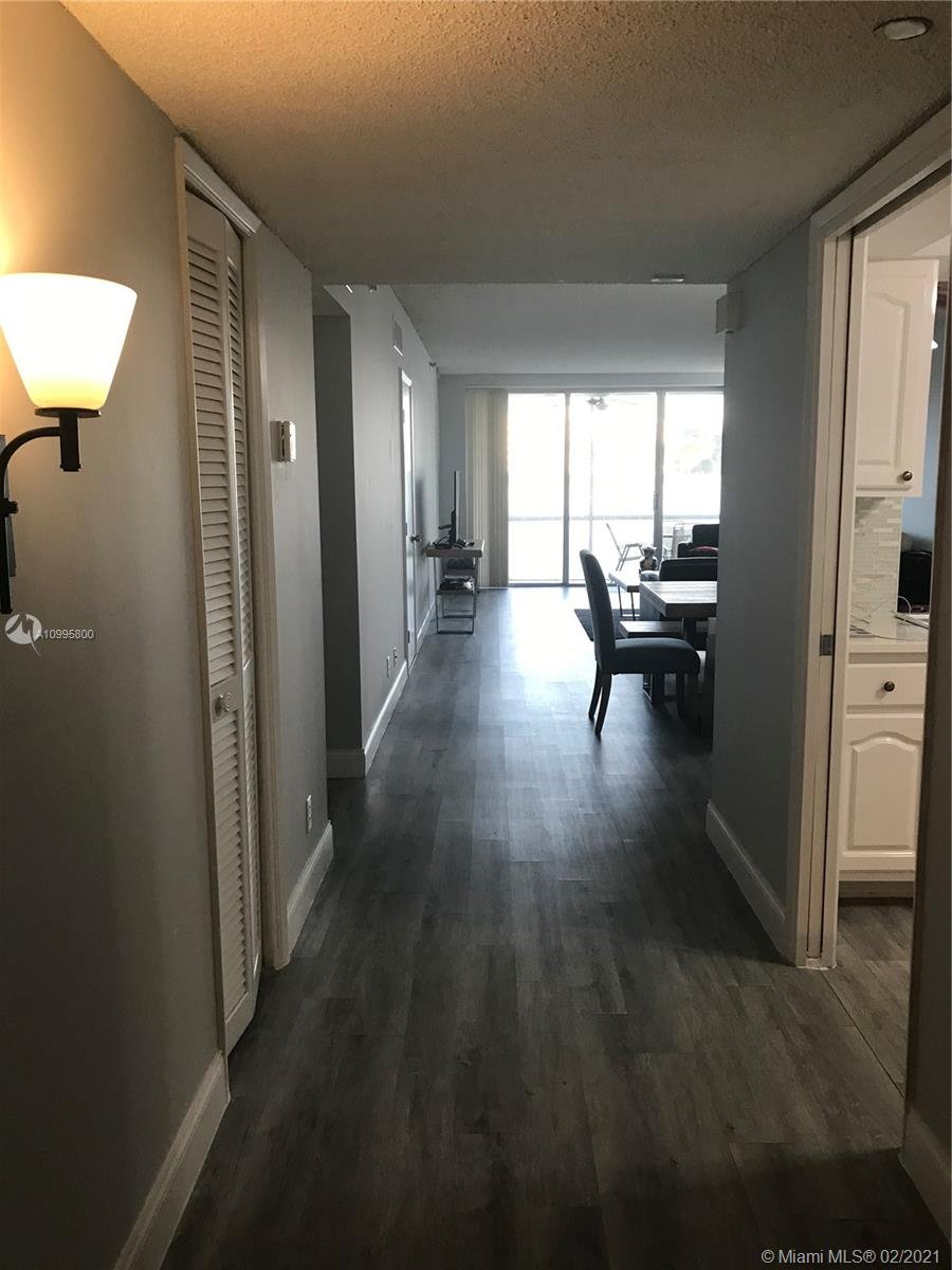 Spectacular first floor unit . Updated kitchen and large bedrooms. Golf course view with screened patio. Washer and dryer inside the unit. Come and enjoy the amenities: country club, golf course, bike and jog trails. Pompano Isles Casino just across the street. 700 min credit score per association
