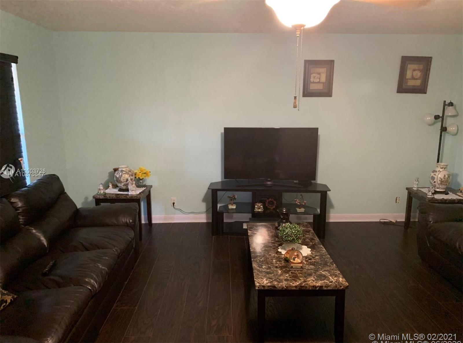 Beautifully renovated and well kept 2/2. Very bright unit with tile and laminate floors and renovated bathrooms and kitchen. Great location near turnpike, Florida Medical Center, near to Publix and CVS. MANY GREAT AMENITIES (pool, clubhouse, fitness center and common areas)