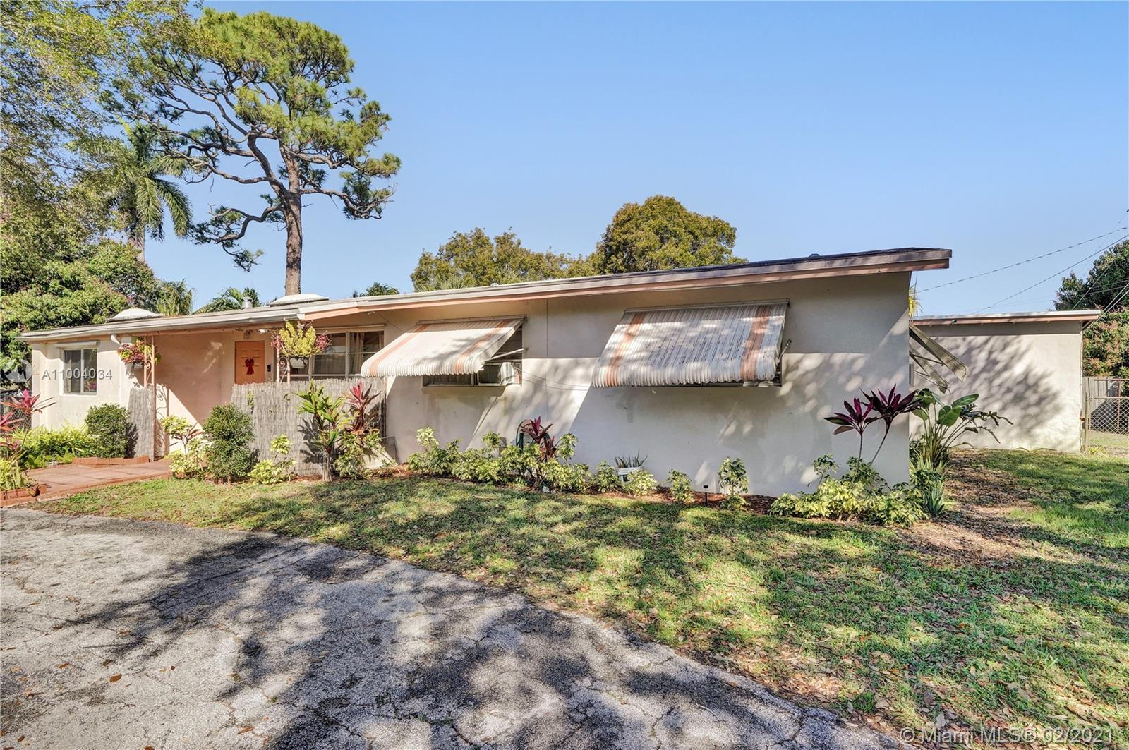 GREAT LOCATION IN SOUGHT AFTER WILTON MANNORS AREA. LARGE CORNER LOT WITH A POOL. GREAT AND QUIET NEIGHBOURHOOD. CLOSE TO FORT LAUDERDALE DOWNTOWN AND BEACHES. This is an Estate Sale and the home needs updating.