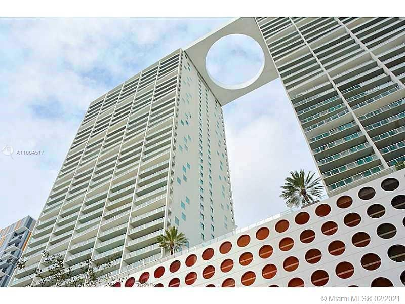 Location, location, location!!! Gorgeous condo in the heart of Brickell. Panoramic Bay, River and City views. Kitchen with quartz counter-tops & stainless-steel appliances. Double vanities with marble tops in bathrooms, jacuzzi tub in master, glass enclosed showers. Beautiful amenities include 3 pools, spa & gym, club room, sports bar, roof top entertainment room, theater room. Just one block away from City Center and Downtown.